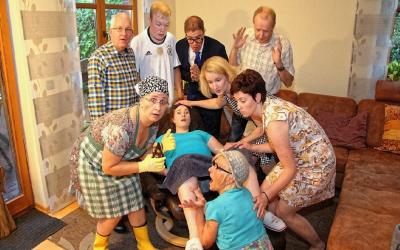 Huusbesöök – Das neue Stück der Lessener Theaterfreunde